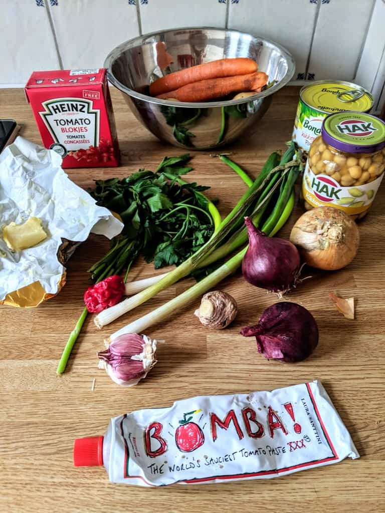leftover ingredients to make chana aloo masala pie